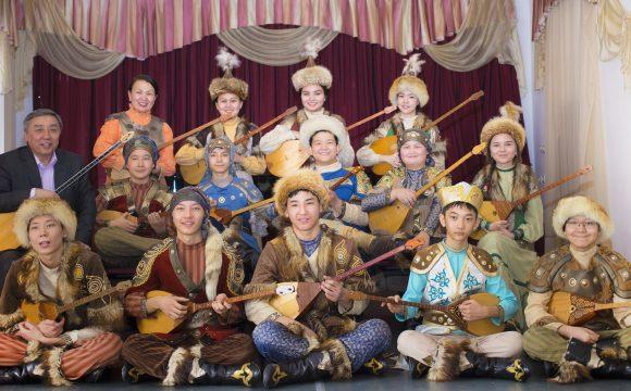 Игра ансамбля «Көкіл» поразила екатеринбуржцев